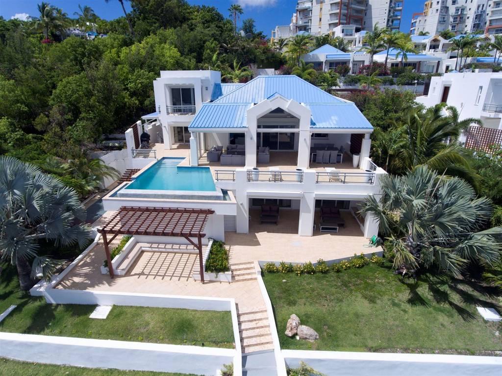 Amaryllis Villa